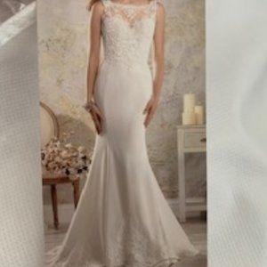 Modern Vintage Alfred Angelo Wedding Dress
